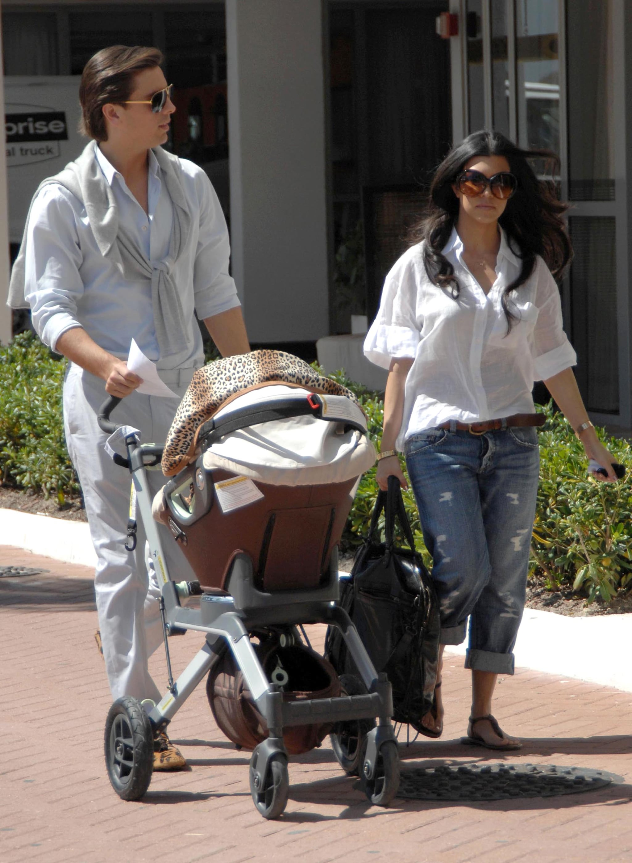photos of kim kardashian and reggie bush leaving costa