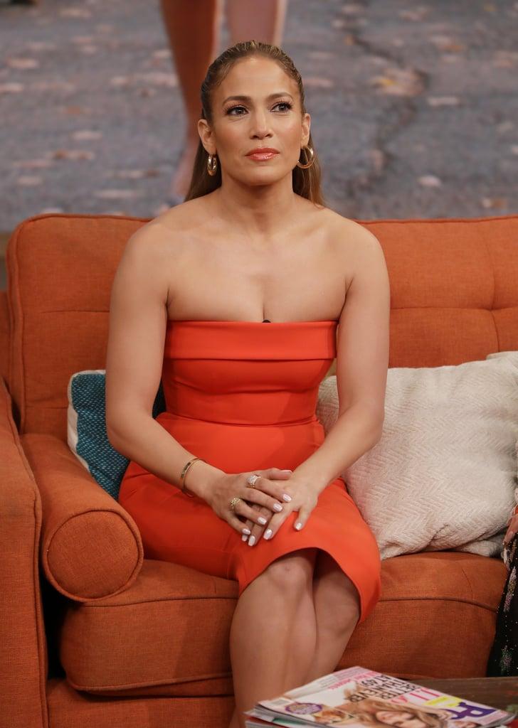 0ba6a11fe74c Jennifer Lopez's Orange Dress and Heels on Despierta America ...