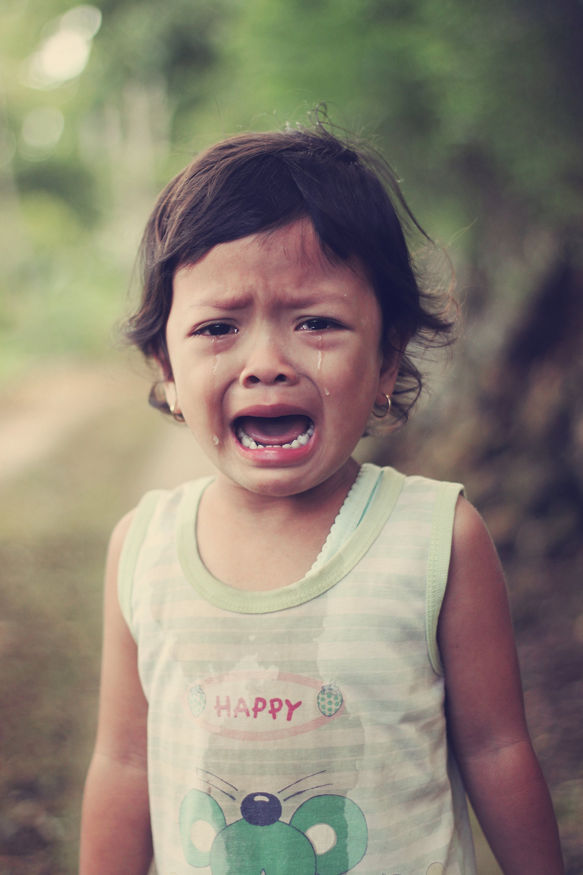 12 Best Tips For Parenting Emotional, Empathetic Kids (Without Hurting Them)