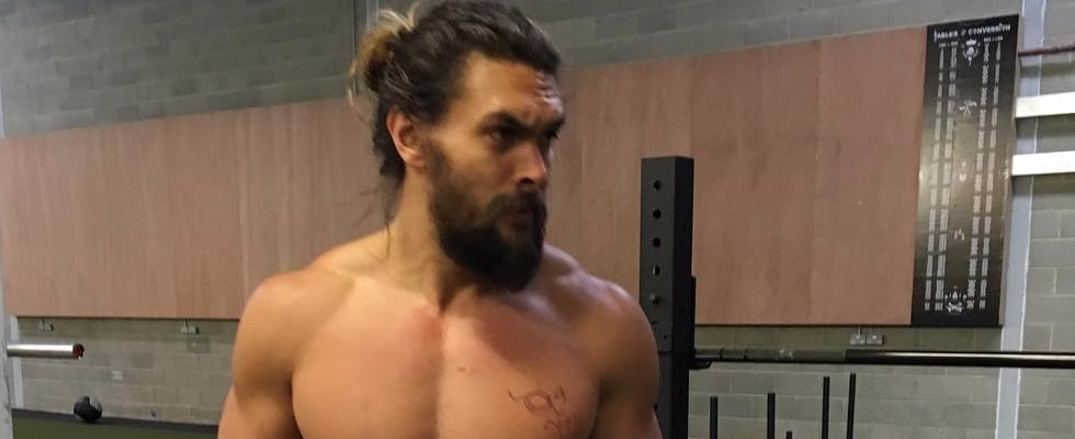 Can You Make It Through 23 Shirtless Jason Momoa Photos Without Passing Out?