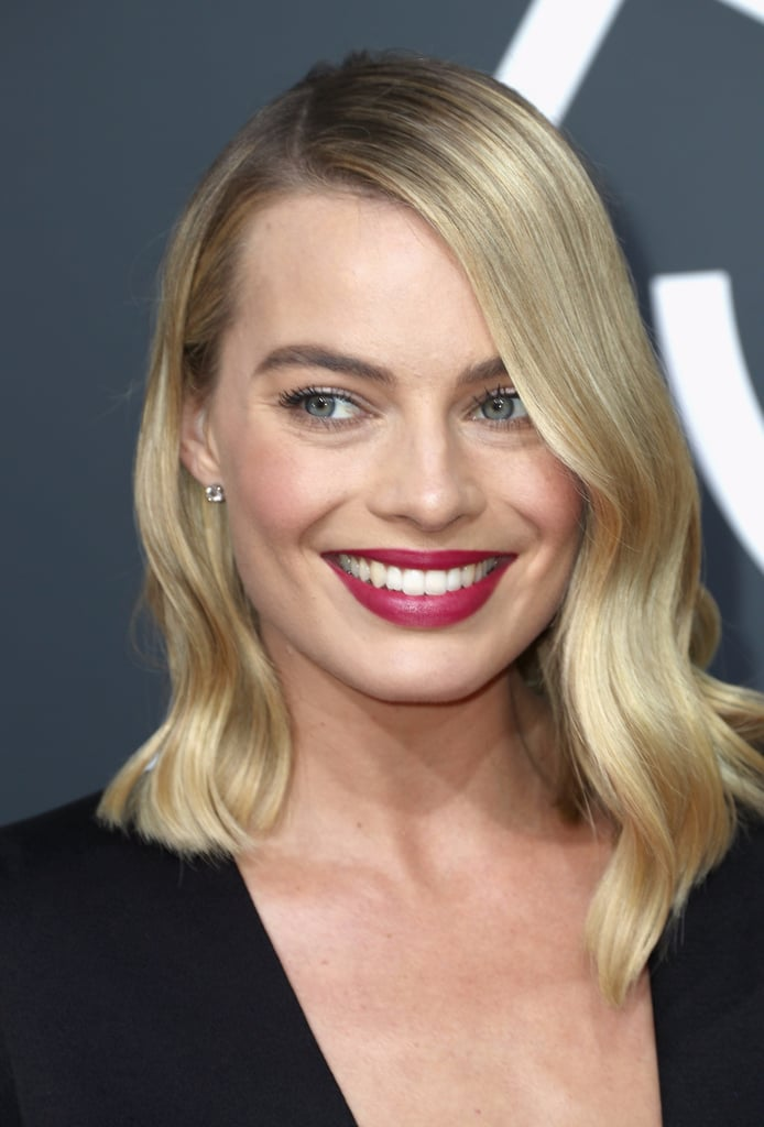 Margot Robbie Hair and Makeup at the 2017 Golden Globes