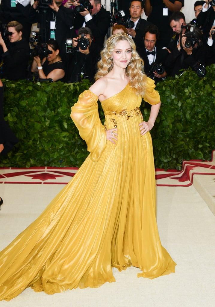 amanda seyfried yellow dress