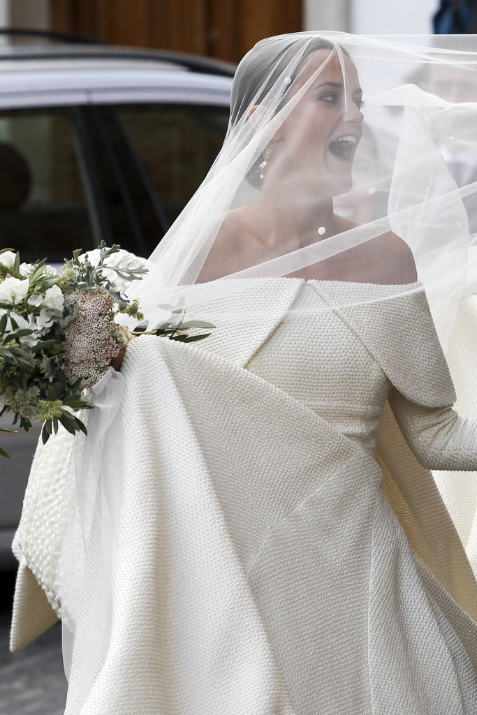 wellesley chat Chat with us on facebook messenger learn what's trending across popsugar we'll always have love for kate middleton's glamorous wedding gown, but now there's another.