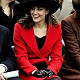 لفتت كيت نظر ويليام خلال ظهورها في عرض أزياء خيري