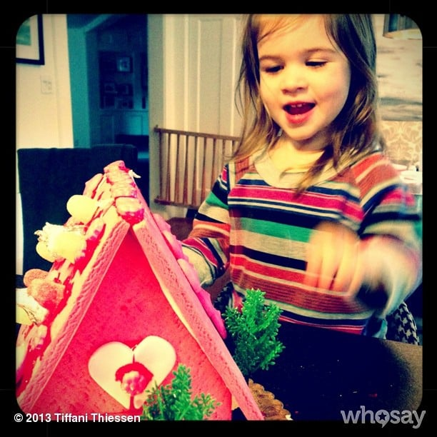 Harper Smith built a sweet Valentine's Day house with her mama, Tiffani Thiessen. Source: Instagram user tathiessen