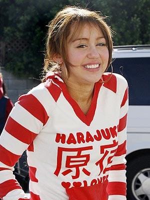 Miley Cyrus Cuts Bangs