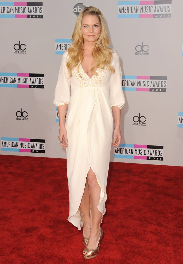 Jennifer Morrison looked ethereal in a white dress at the 2011 American Music Awards.