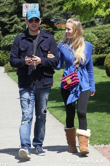 Luisana-Lopilato-smiled-Michael-Bublé-during-walk-around