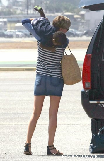 celebrityCharlize-Theron-Leaving-LA-Her-Family