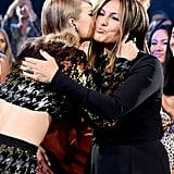 Taylor Swift and Mariska Hargitay at the 2015 VMAs