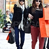 Nicole Richie carried Hermès bags.