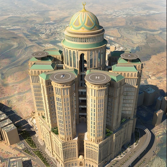 Dubai 39 s al sufouh renamed king salman bin abdulaziz al for Biggest hotel in dubai