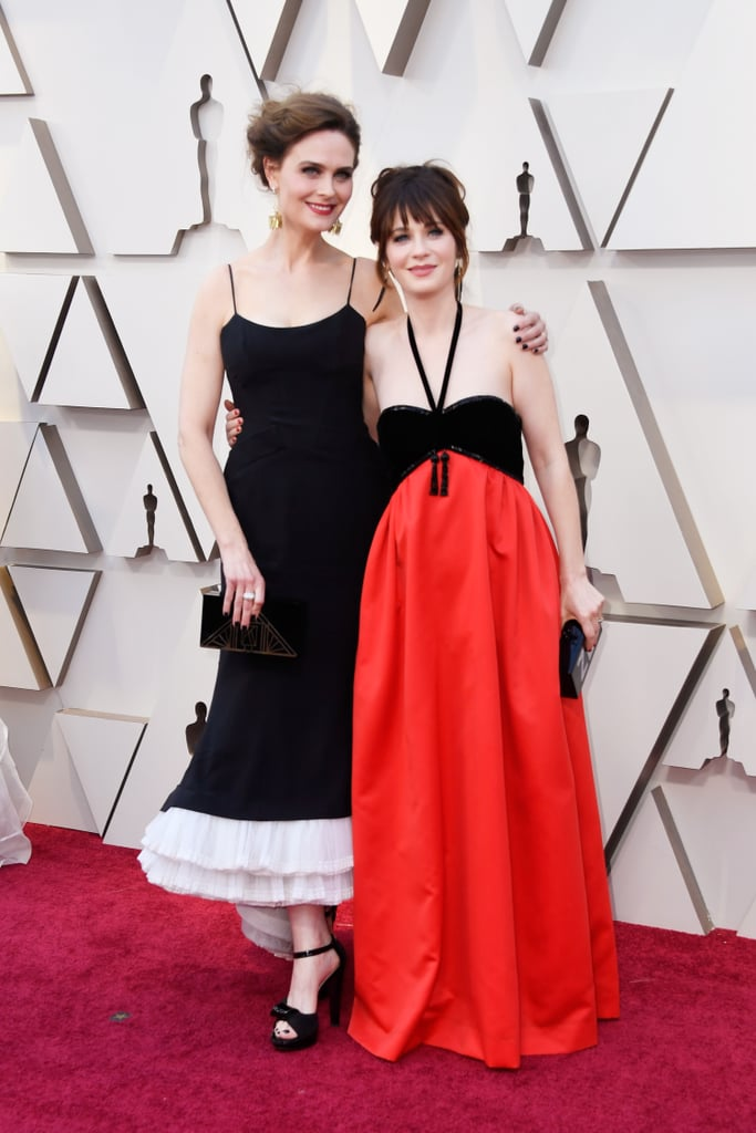 Emily and Zooey Deschanel at the 2019 Oscars