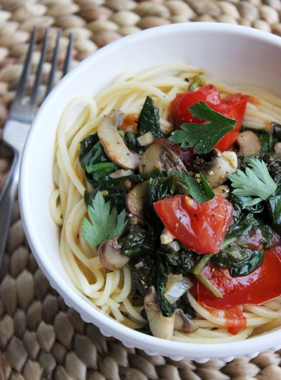 Spaghetti With Spinach in a White Wine Garlic Sauce