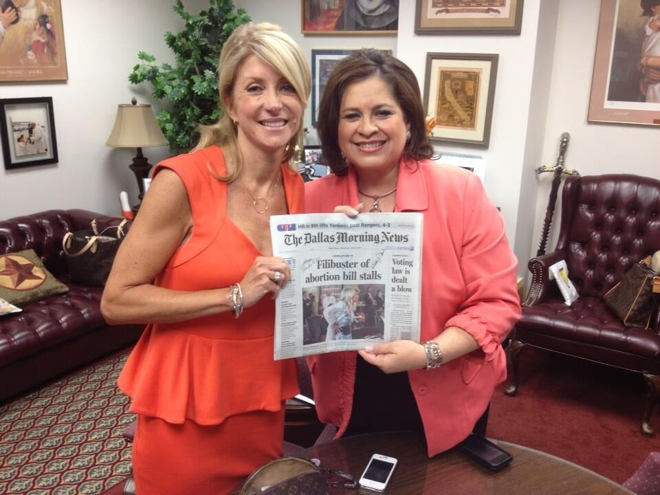 Texas State Senator Leticia Van de Putte showed her support for Wendy Davis. Source: Twitter user leticiavdp
