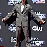 Dominic Monaghan struck a silly pose on the red carpet at the Young Hollywood Awards.