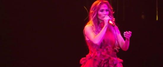 "Jennifer Lopez Sings Selena's ""Si Una Vez"" on Tour Video"