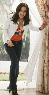 Courteney Cox as Jules Cobb in Cougar Town Style 2010-03-10 12:15:00