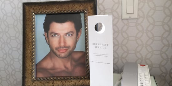 Hotel Guest Wants Jeff Goldblum Photos (And That's What He Gets)
