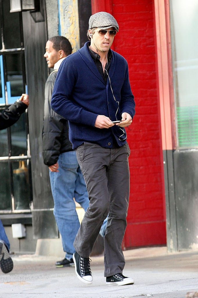 Ryan Reynolds took a stroll in NYC.