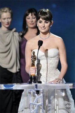Penelope Cruz Wins Best Supporting Actress at 2009 Oscars