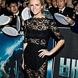 Brooklyn Decker looked gorgeous in black lace femmes d'armes.
