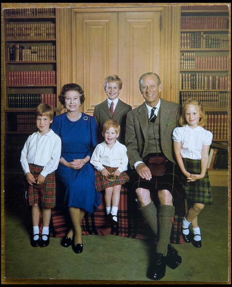 بطاقة من الملكة، 1987