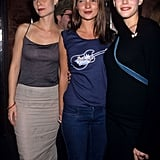 Such a cool moment — Gwyneth, Kate Moss, and Liv Tyler hanging out together in NYC, at a Beck concert in September 1998. A Beck concert!