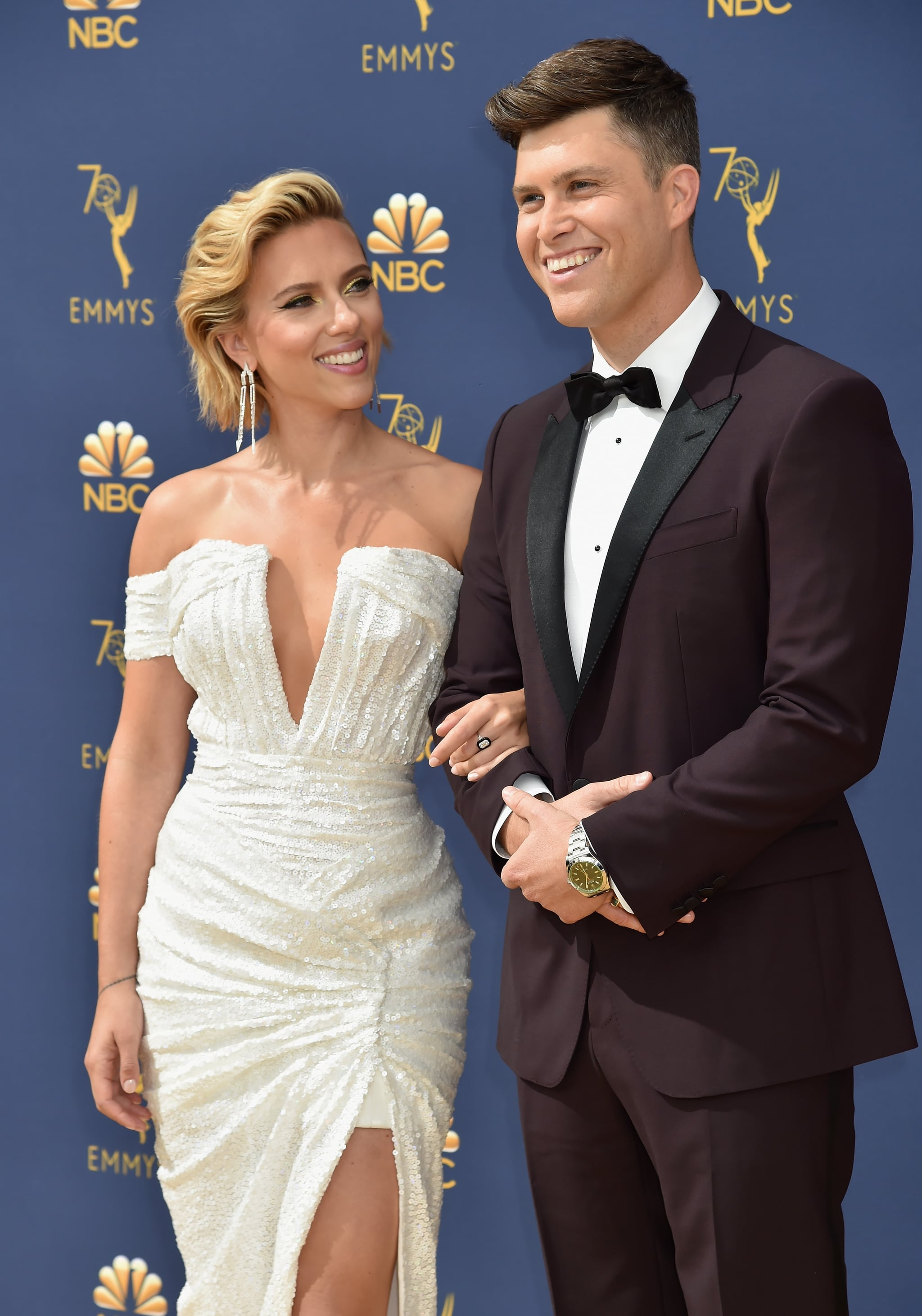 LOS ANGELES, CA - SEPTEMBER 17: Scarlett Johansson (L) and Colin Jost attend the 70th Emmy Awards at Microsoft Theater on September 17, 2018 in Los Angeles, California.  (Photo by Jeff Kravitz/FilmMagic)