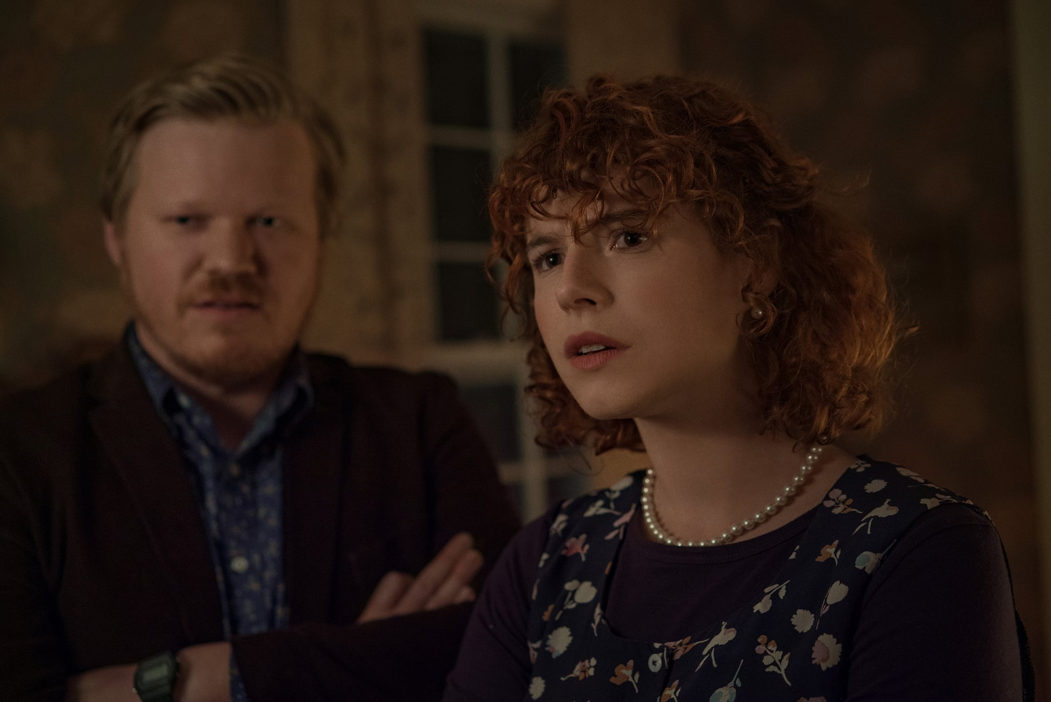 Im Thinking Of Ending Things. Jesse Plemons as Jake, Jessie Buckley as Young Woman in Im Thinking Of Ending Things. Cr. Mary Cybulski/NETFLIX © 2020