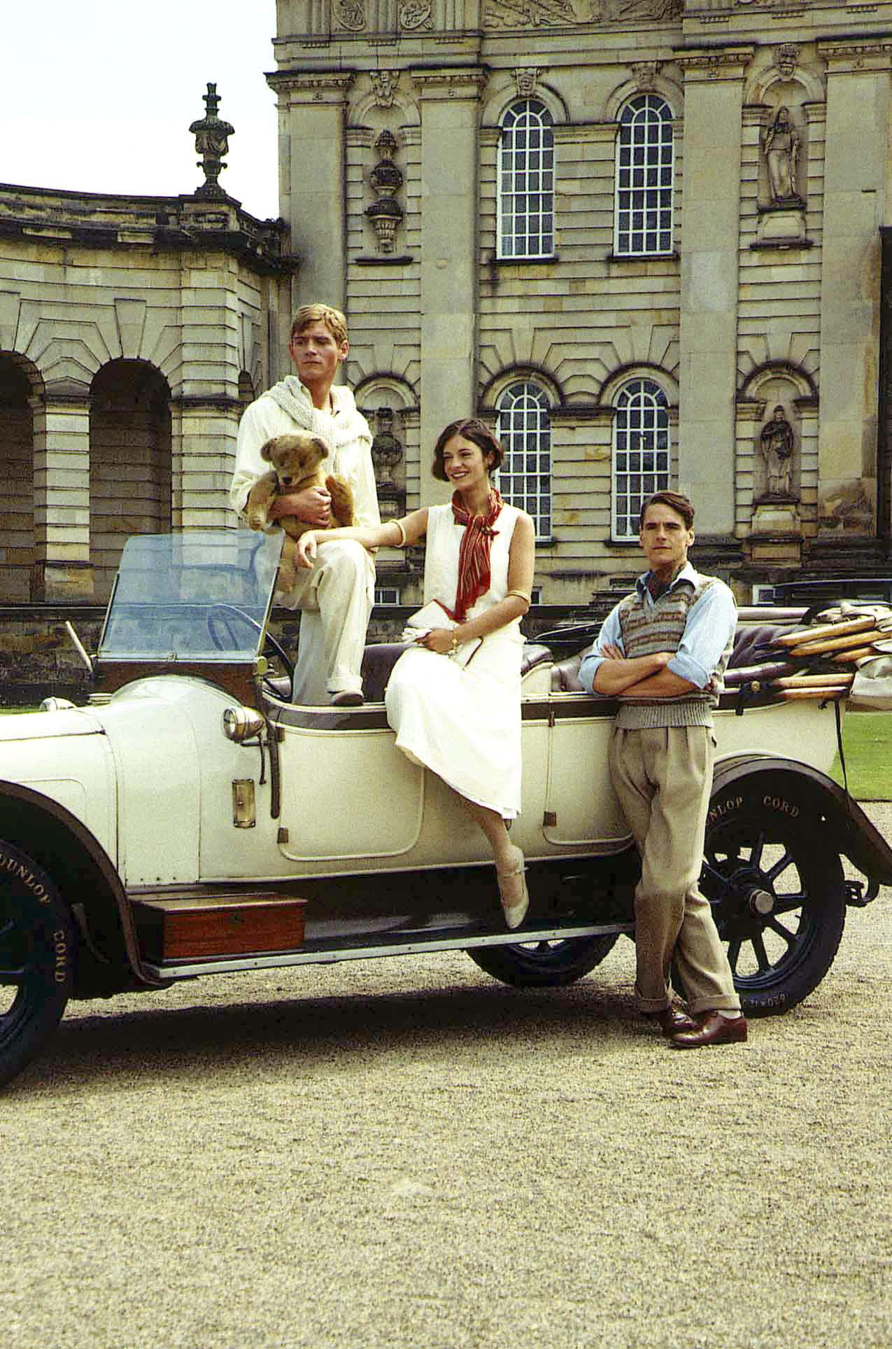 BRIDESHEAD REVISITED, from left: Anthony Andrews, Diana Quick, Jeremy Irons, 1981. Granada Television/courtesy Everett Collection