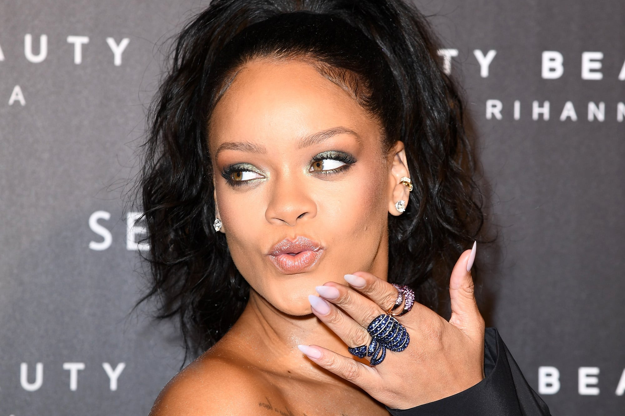 What Fenty Foundation Shade Does Rihanna Wear Popsugar Beauty