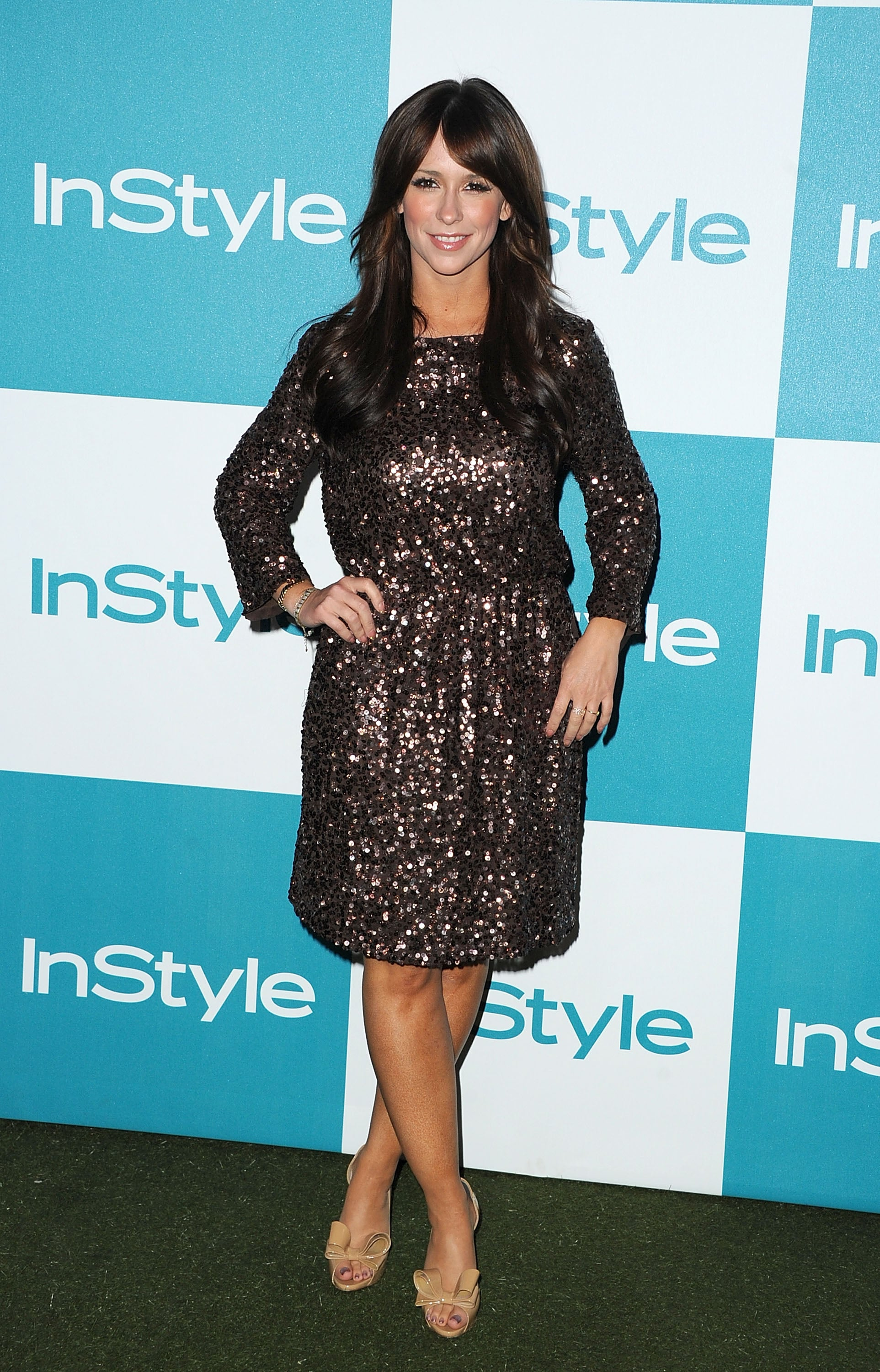 Jennifer Love Hewitt parties with InStyle.