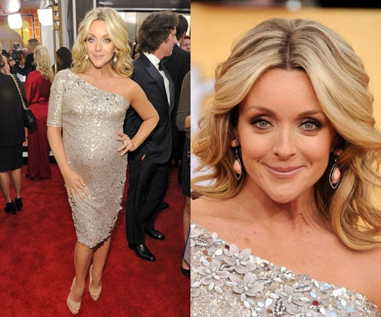 Pregnant Jane Krakowski in sequinned Badgley Mischka at SAG Awards 2011