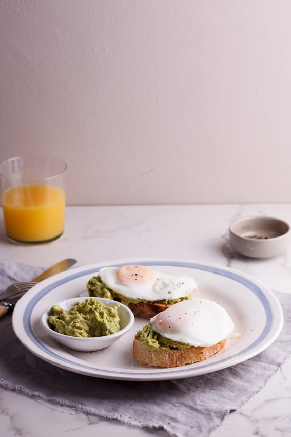 Easy Poached Egg and Smashed Avocado Toast