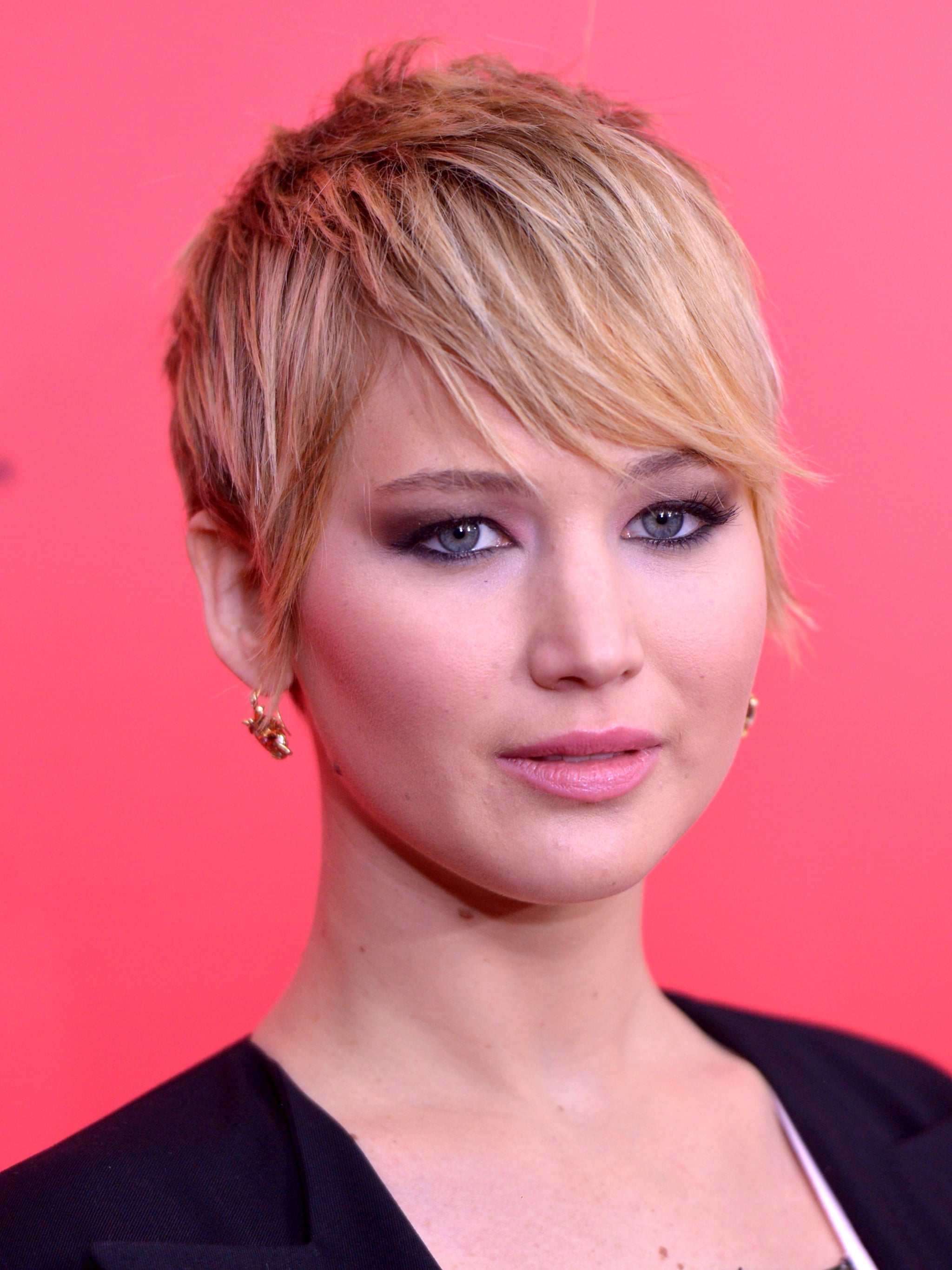 It was all about the winged-out smoky eye for Jennifer Lawrence in New York, and her pixie was styled in a sleek side bang with flipped-out ends.