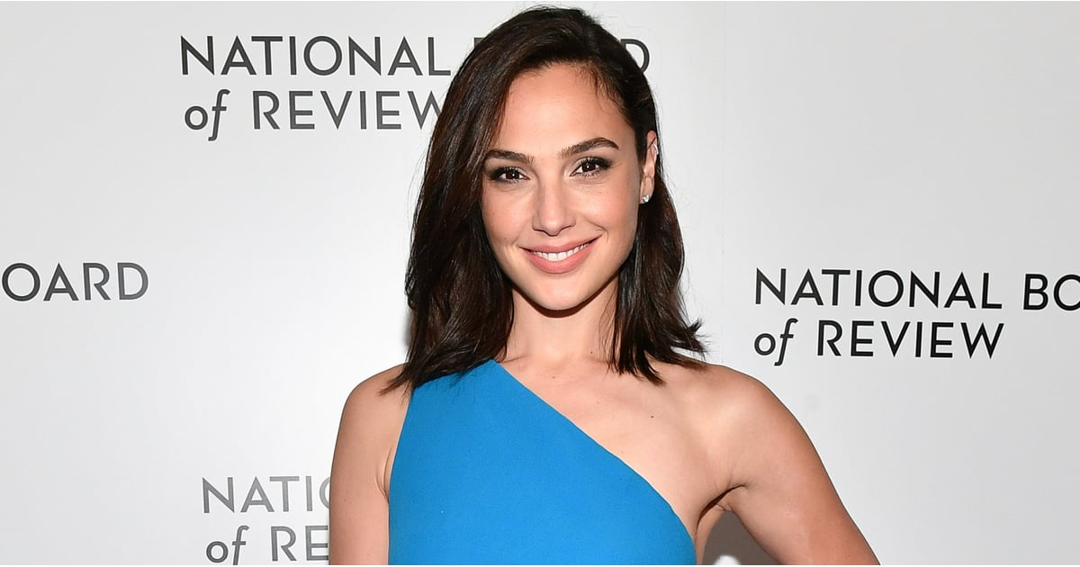 PopsugarFitnessGal GadotGal Gadot Diet and Fitness RoutineSo This Is How Gal Gadot Carved Her Superhero Physique For Wonder WomanJanuary 27, 2018 by Gina FlorioFirst Published: January 10, 20182.1K SharesChat with us on Facebook Messenger. Learn what's trending across POPSUGAR.Gal Gadot may play a badass superhero in Wonder Woman, but what most people don't realize is that Gal, 32, is somewhat of a superhero in real life as well. She's pretty much done it all. She's been a basketball player and a hip-hop dancer; she was even crowned Miss Israel in 2004. That's not all, though. Gal served two years in the Israel Defense Forces (IDF) as a combat instructor, of all things. You can't get more badass than that. Related:Gal Gadot Singlehandedly Delivered the Most Important Critics' Choice SpeechAt the Critics' Choice Awards on Jan. 11, Gal was presented with an award she has certainly earned: the #SeeHer award, and Patty Jenkins, Wonder Woman director and screenwriter, presented her with this honor. It's no surpris - 웹