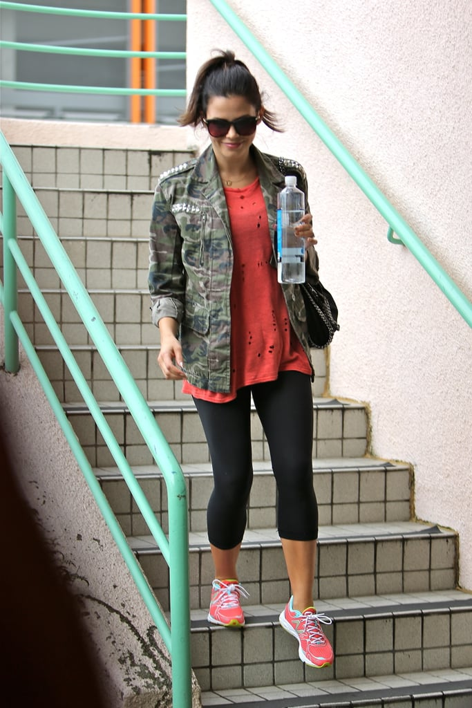 Jenna Dewan smiled as she left her workout class.