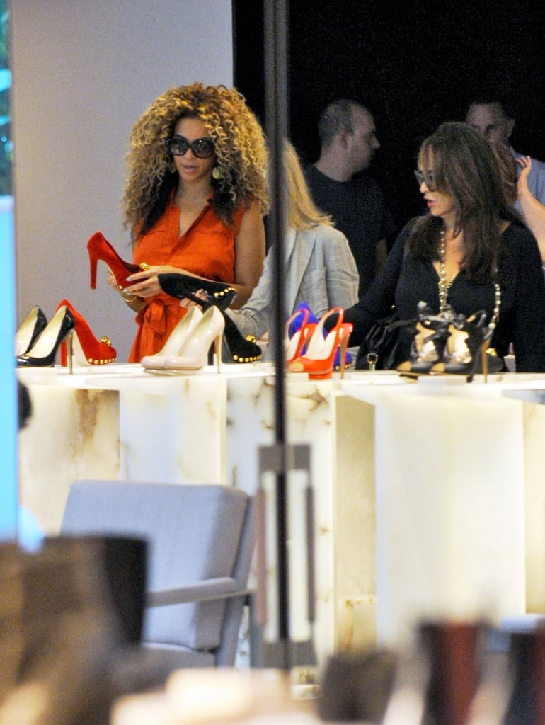 Beyoncé Knowles shopping for shoes in London.