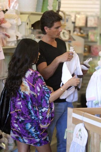 Kourtney Kardashian Goes Shopping