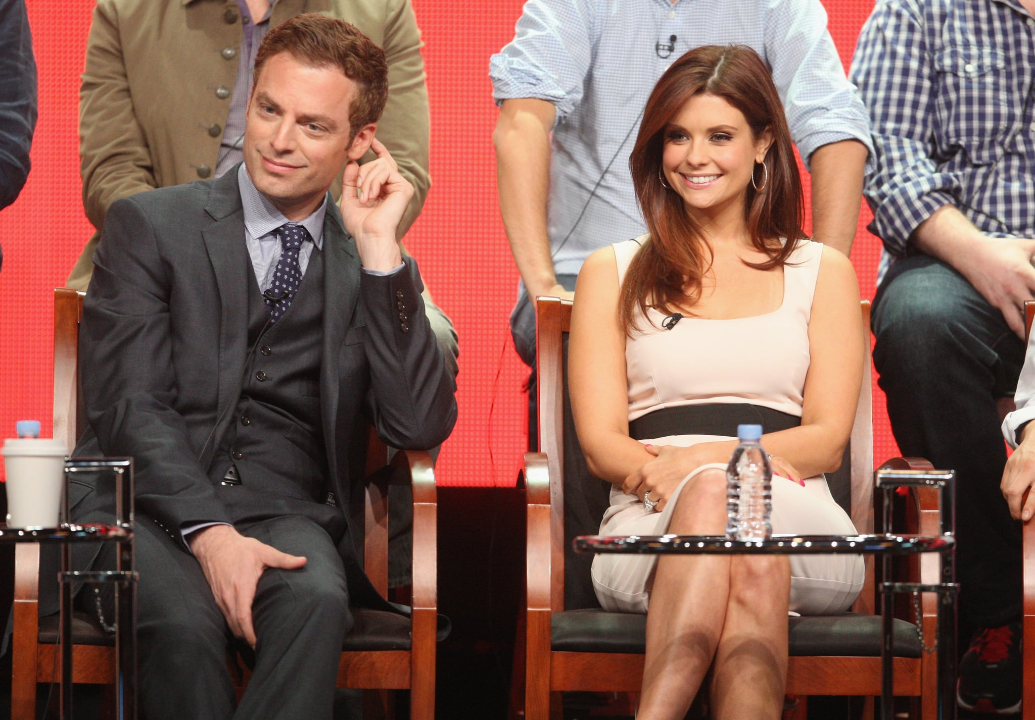 Justin Kirk sat beside his Animal Practice onscreen love interest, Joanna Garcia.