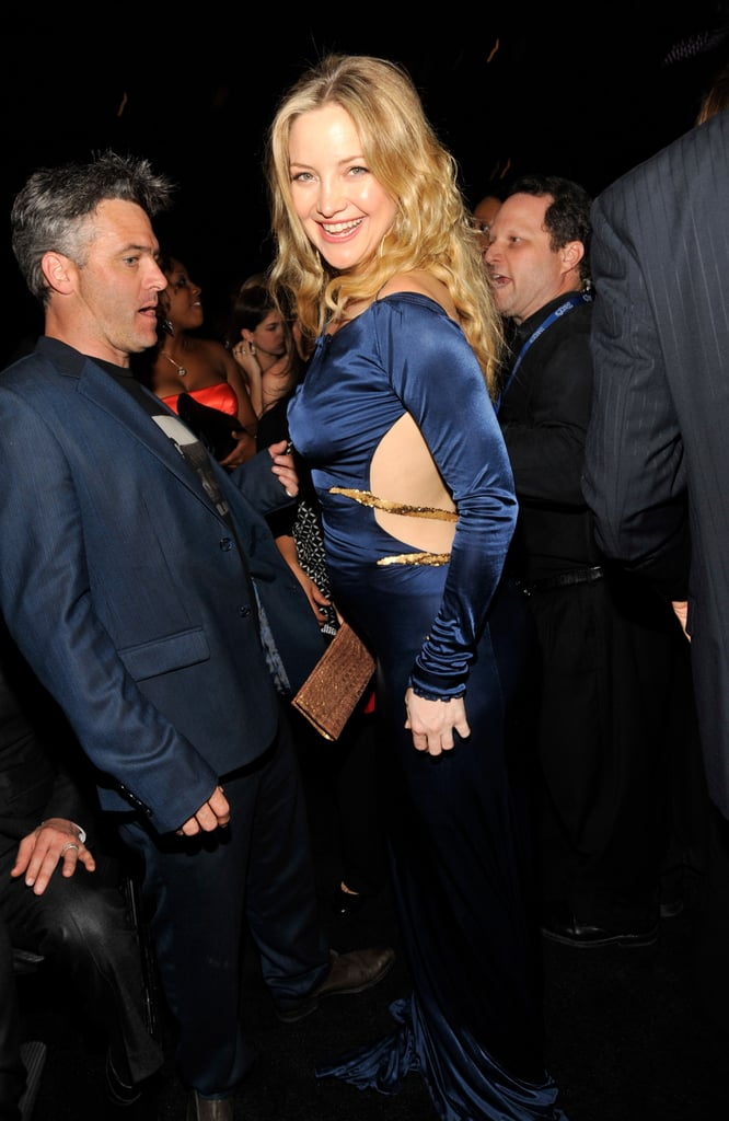 Kate Hudson Bares Her Baby Bump in a Tight Dress at the Grammys!