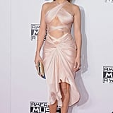 Jennifer Lopez Wearing Reem Acra to the 2014 American Music Awards
