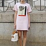 حذاء ذو أربطة مع شريط على الكاحل ليضفي لمسة غير مألوفة على ثوبك الصيفي.