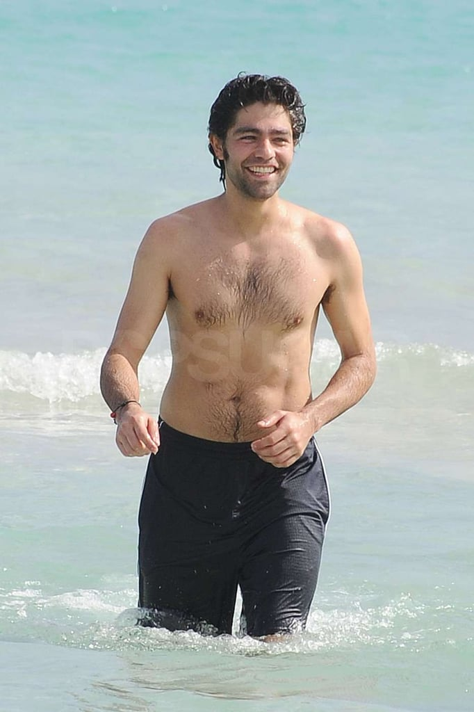 pictures of shirtless adrian grenier on the beach in miami