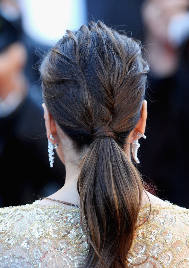 And Eva's low ponytail had a touch of texture in back.