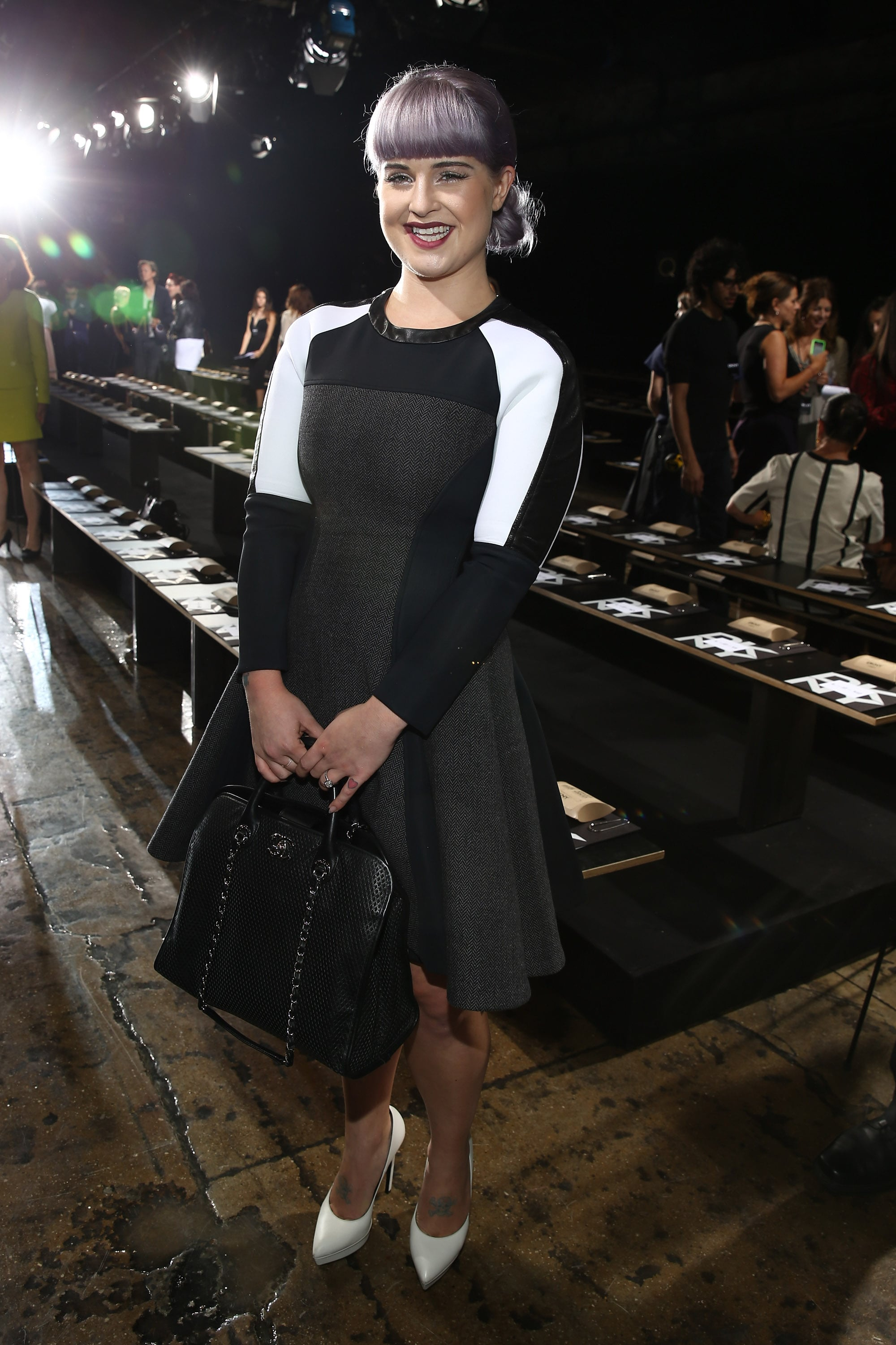 Kelly Osbourne smiled wide at DKNY in a colorblock dress and crisp white pumps.