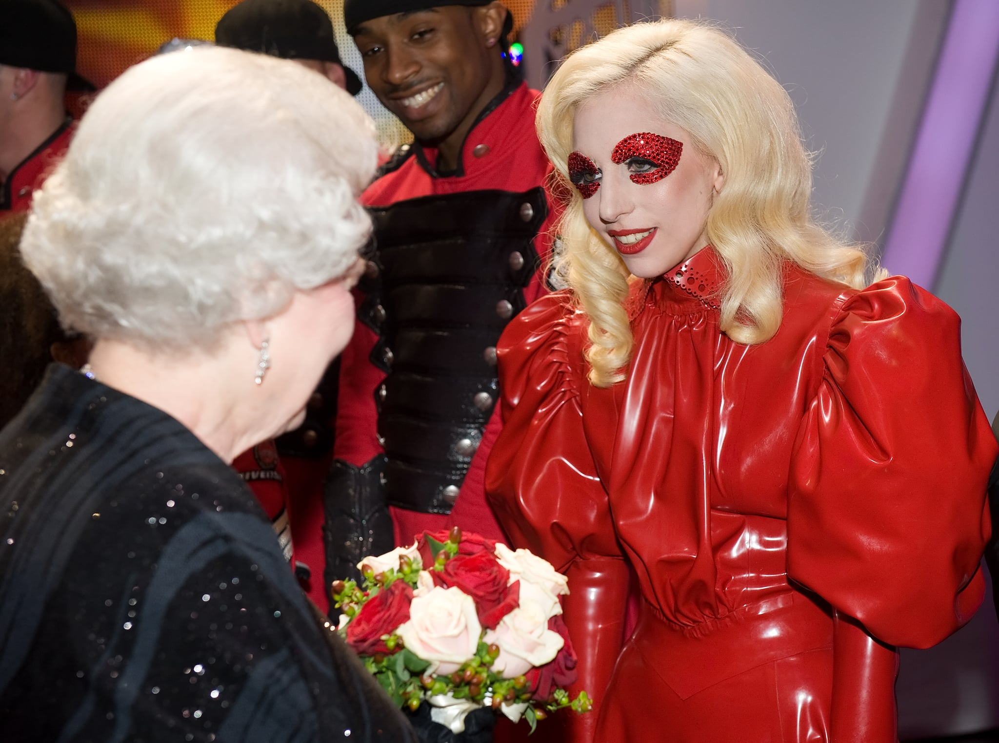 She Met the Queen of England Like This