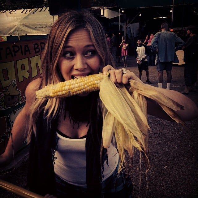 Hilary Duff chowed down on corn on the cob at the pumpkin patch. Source: Instagram user hilaryduff