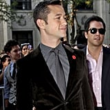 Joseph Gordon-Levitt arrived at the 50/50 premiere.